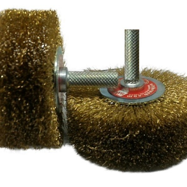 spazzola-acciaio-con-perno